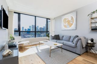 """Photo 1: 1409 977 MAINLAND Street in Vancouver: Yaletown Condo for sale in """"YALETOWN PARK 3"""" (Vancouver West)  : MLS®# R2595061"""