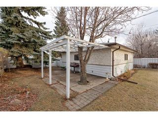 Photo 4: 2322 25 Avenue NW in Calgary: Banff Trail House for sale : MLS®# C4090538