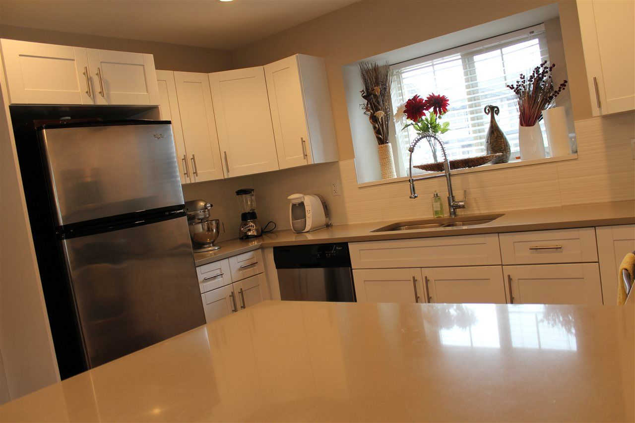 """Photo 5: Photos: 115 13368 72 Avenue in Surrey: West Newton Townhouse for sale in """"CRAFTON HILL"""" : MLS®# R2071517"""