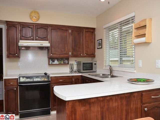 """Photo 5: Photos: 8853 DELMONTE Crescent in Delta: Nordel House for sale in """"DELWOOD PARK"""" (N. Delta)  : MLS®# F1223590"""