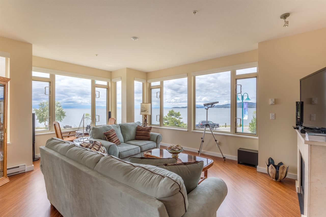 Main Photo: 228 5160 DAVIS BAY Road in Sechelt: Sechelt District Condo for sale (Sunshine Coast)  : MLS®# R2076626
