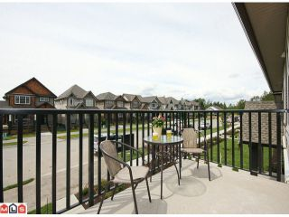 Photo 2: 2 7332 194A Street in Surrey: Clayton Townhouse for sale (Cloverdale)  : MLS®# F1019086
