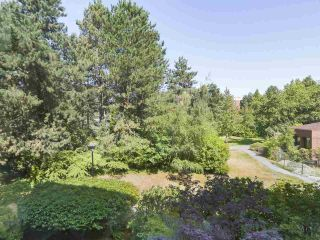 """Photo 7: 310 2101 MCMULLEN Avenue in Vancouver: Quilchena Condo for sale in """"Arbutus Village"""" (Vancouver West)  : MLS®# R2478885"""