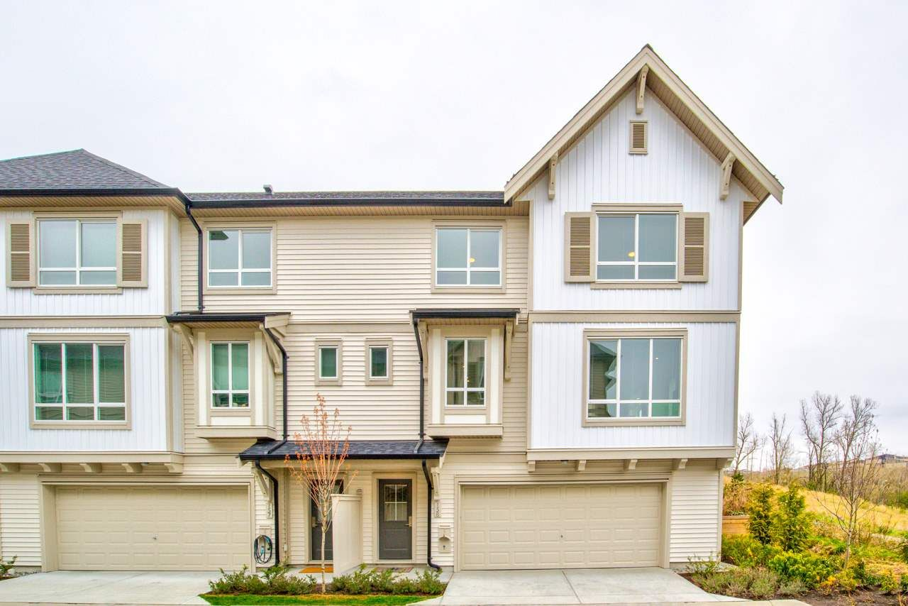 """Main Photo: 158 30930 WESTRIDGE Place in Abbotsford: Abbotsford West Townhouse for sale in """"Bristol Heights"""" : MLS®# R2565088"""