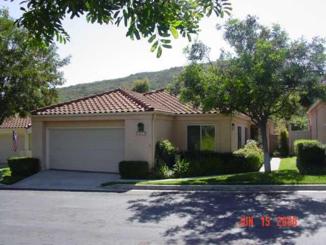Main Photo: NORTH ESCONDIDO Residential for sale : 3 bedrooms : 2211 MEDINA GLEN in Escondido