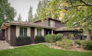 Main Photo: 1815 Bay Shore Road SW in Calgary: Bayview Detached for sale : MLS®# A1142518