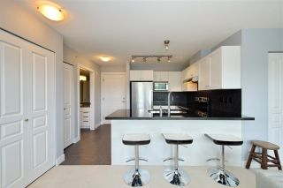 """Photo 10: 417 738 E 29TH Avenue in Vancouver: Fraser VE Condo for sale in """"CENTURY"""" (Vancouver East)  : MLS®# R2462808"""