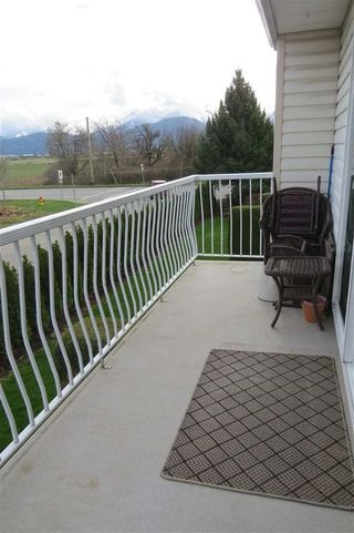 """Photo 4: 30 46350 CESSNA Drive in Chilliwack: Chilliwack E Young-Yale Townhouse for sale in """"HAMLEY ESTATES"""" : MLS®# R2037877"""