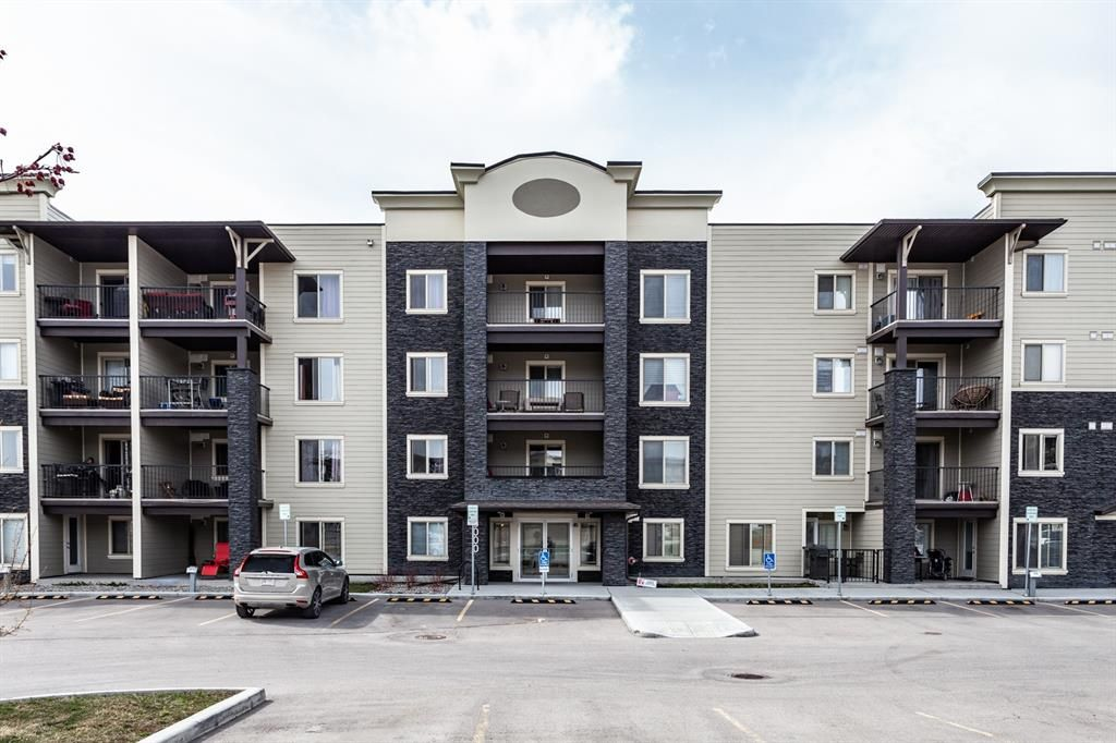 Main Photo: 3104 625 Glenbow Drive: Cochrane Apartment for sale : MLS®# A1124973
