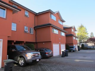 Photo 2: 103 303 CUMBERLAND Street in New Westminster: Sapperton Townhouse for sale : MLS®# R2053717