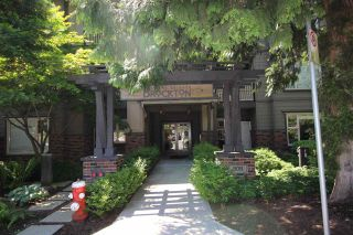 """Photo 2: 305 808 SANGSTER Place in New Westminster: The Heights NW Condo for sale in """"THE BROCKTON"""" : MLS®# R2294830"""