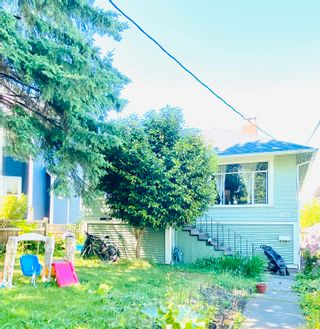 Main Photo: 957 E 15TH Avenue in Vancouver: Mount Pleasant VE House for sale (Vancouver East)  : MLS®# R2591504