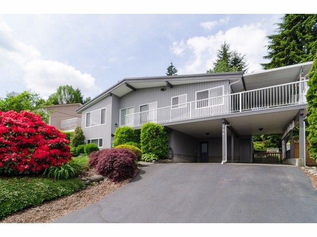 """Main Photo: 984 RANCH PARK Way in Coquitlam: Ranch Park House for sale in """"RANCH PARK"""" : MLS®# V1067792"""
