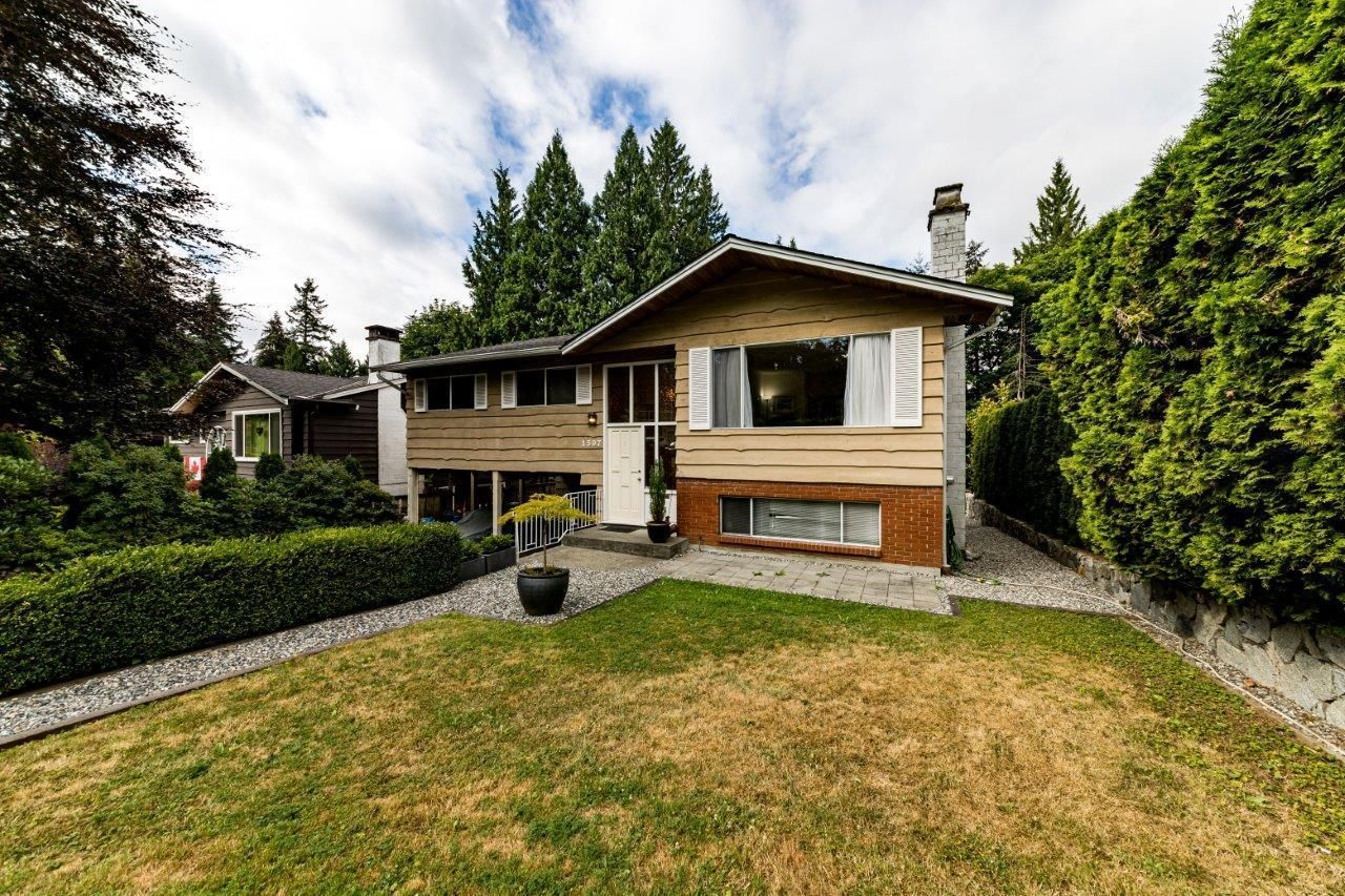Main Photo: 1507 KILMER Place in North Vancouver: Lynn Valley House for sale : MLS®# R2603985