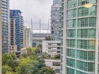 "Photo 4: 1004 819 HAMILTON Street in Vancouver: Downtown VW Condo for sale in ""819 HAMILTON"" (Vancouver West)  : MLS®# R2105392"