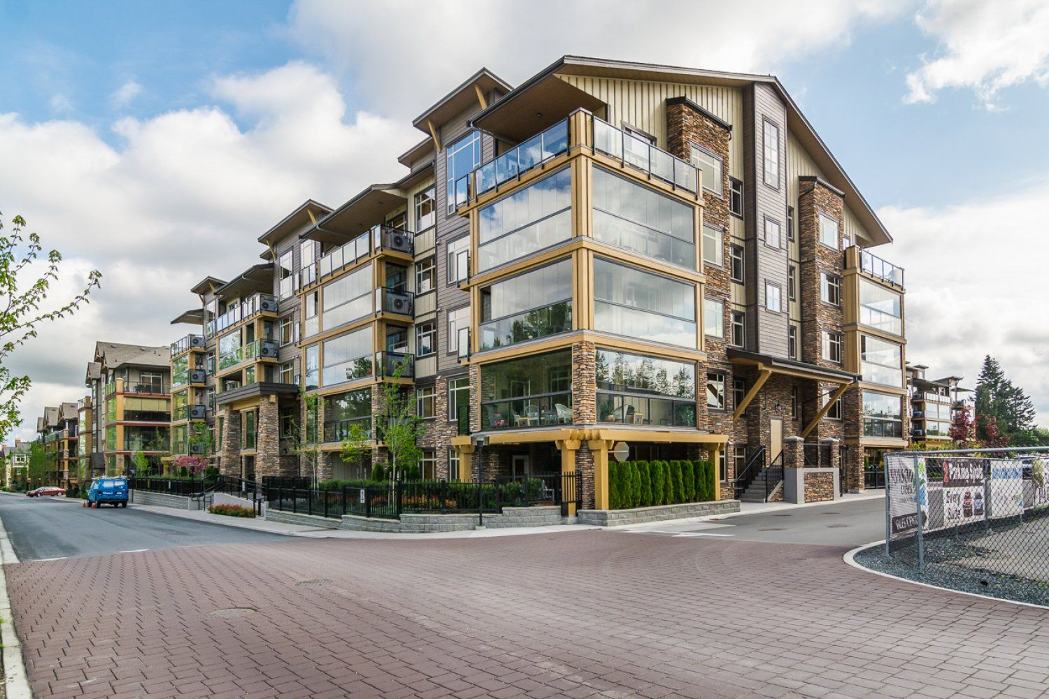 """Photo 2: Photos: 509 8258 207A Street in Langley: Willoughby Heights Condo for sale in """"YORKSON CREEK (BLG A)"""" : MLS®# R2221052"""