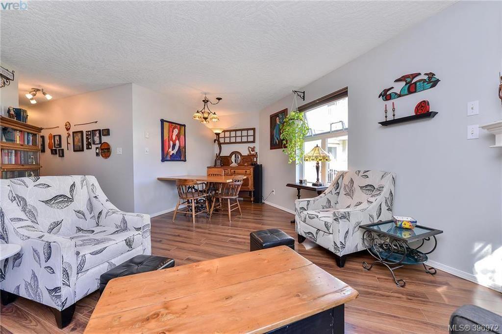 Photo 5: Photos: 203 3010 Washington Ave in VICTORIA: Vi Burnside Condo for sale (Victoria)  : MLS®# 794042