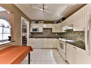 Photo 11: 304 7171 121 Street in Surrey: West Newton Condo for sale : MLS®# R2029159