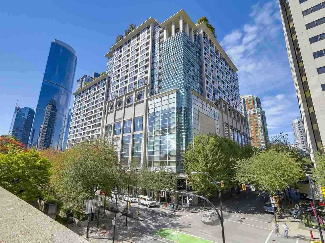 """Main Photo: 2201 938 SMITHE Street in Vancouver: Downtown VW Condo for sale in """"ELECTRIC AVE"""" (Vancouver West)  : MLS®# R2477360"""