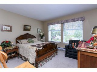 """Photo 18: 33 9168 FLEETWOOD Way in Surrey: Fleetwood Tynehead Townhouse for sale in """"The Fountains"""" : MLS®# F1414728"""