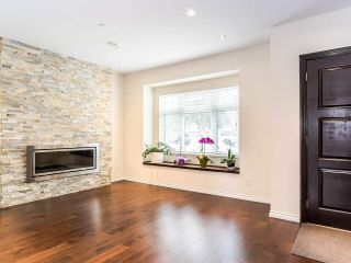 Photo 2: 6559 TYNE Street in Vancouver: Killarney VE House for sale (Vancouver East)  : MLS®# R2499283