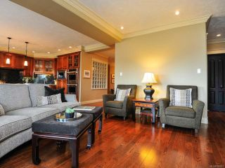 Photo 3: 324 3666 ROYAL VISTA Way in COURTENAY: CV Crown Isle Condo for sale (Comox Valley)  : MLS®# 784611