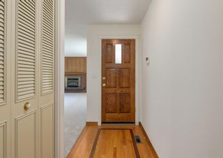 Photo 2: 2223 Palisade Drive SW in Calgary: Palliser Detached for sale : MLS®# A1123980