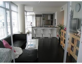 """Photo 1: 908 788 RICHARDS Street in Vancouver: Downtown VW Condo for sale in """"L'HERMITAGE"""" (Vancouver West)  : MLS®# V808783"""