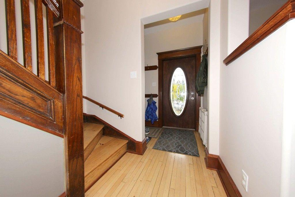 Photo 3: Photos: 110 Home Street in Winnipeg: Wolseley Single Family Detached for sale (5B)  : MLS®# 1627578