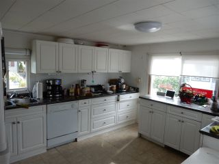 """Photo 7: 15 15820 FRASER Highway in Surrey: Fleetwood Tynehead Manufactured Home for sale in """"Greentree Estates"""" : MLS®# R2088242"""