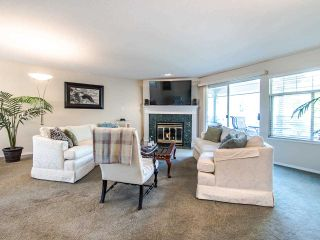 """Photo 2: 178 20391 96 Avenue in Langley: Walnut Grove Townhouse for sale in """"CHELSEA GREEN"""" : MLS®# R2455217"""