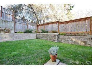 Photo 18: 104 439 Cook St in VICTORIA: Vi Fairfield West Condo for sale (Victoria)  : MLS®# 596917