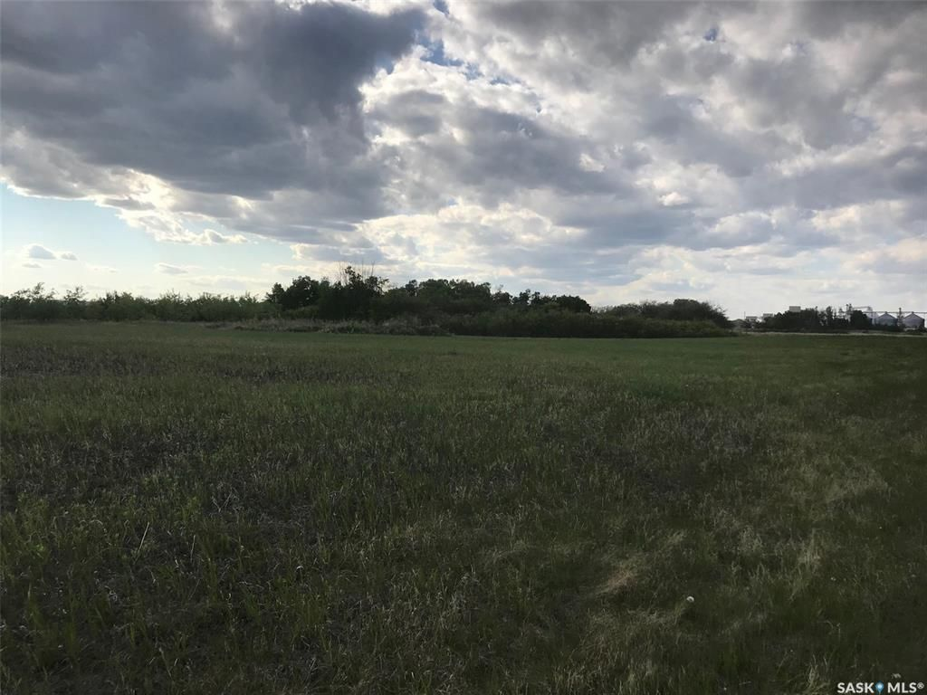 Main Photo: 400 Douglas Avenue in Yorkton: Lot/Land for sale : MLS®# SK852675
