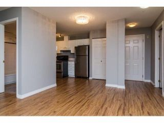 """Photo 5: 329 2750 FAIRLANE Street in Abbotsford: Central Abbotsford Condo for sale in """"THE FAIRLANE"""" : MLS®# F1428068"""