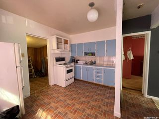 Photo 4: 938 Hochelaga Street West in Moose Jaw: Central MJ Residential for sale : MLS®# SK851165