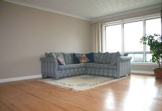 Photo 4: 7 Galsworthy Drive in MARKHAM: House (Bungalow) for sale : MLS®# N1086851