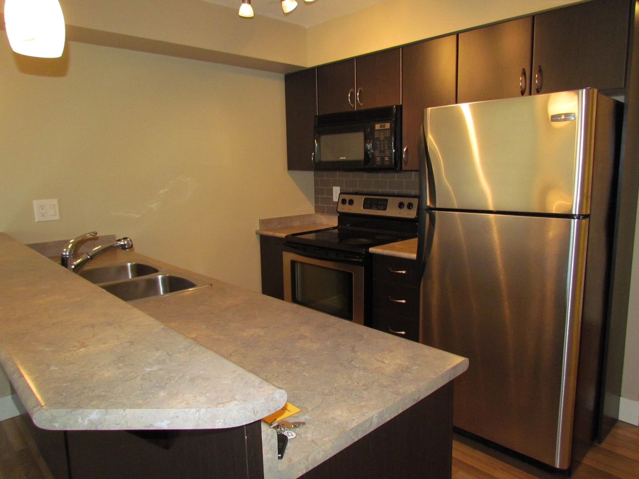 Photo 3: Photos: #204 2515 Park Drive in Abbotsford: Central Abbotsford Condo for rent