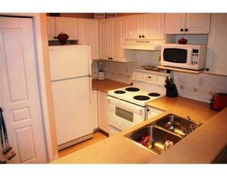 Photo 5: # 202 214 11TH ST in New Westminster: Condo for sale : MLS®# V855628