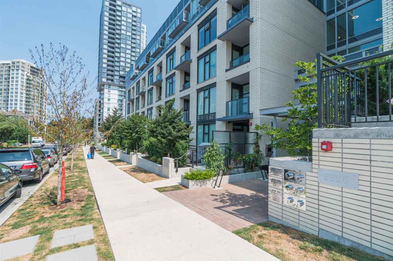 Main Photo: 310- 5598 Ormidale in Vancouver: Collingwood VE Condo for sale (Vancouver East)  : MLS®# R2294155