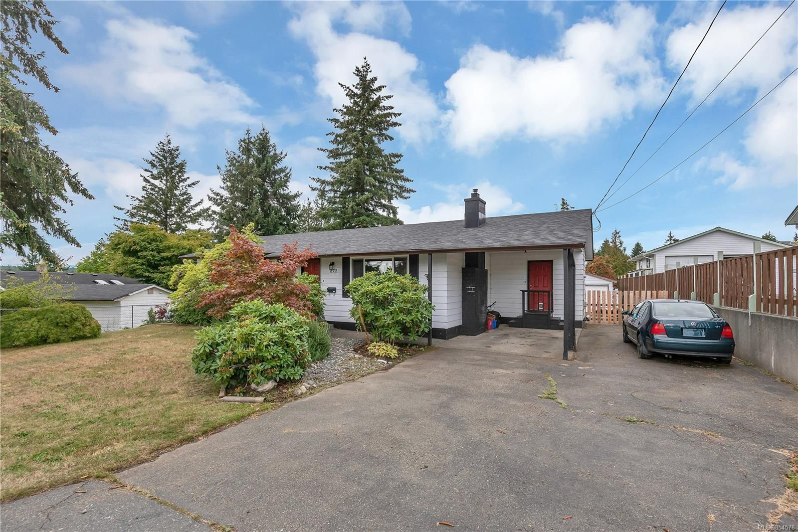 Main Photo: 872 Somerset St in : CR Campbell River Central House for sale (Campbell River)  : MLS®# 854578