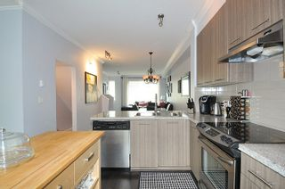 """Photo 11: 32 1295 SOBALL Street in Coquitlam: Burke Mountain Townhouse for sale in """"TYNERIDGE"""" : MLS®# R2159792"""