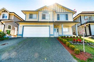Photo 1: 46169 STONEVIEW Drive in Chilliwack: Promontory House for sale (Sardis)  : MLS®# R2567976