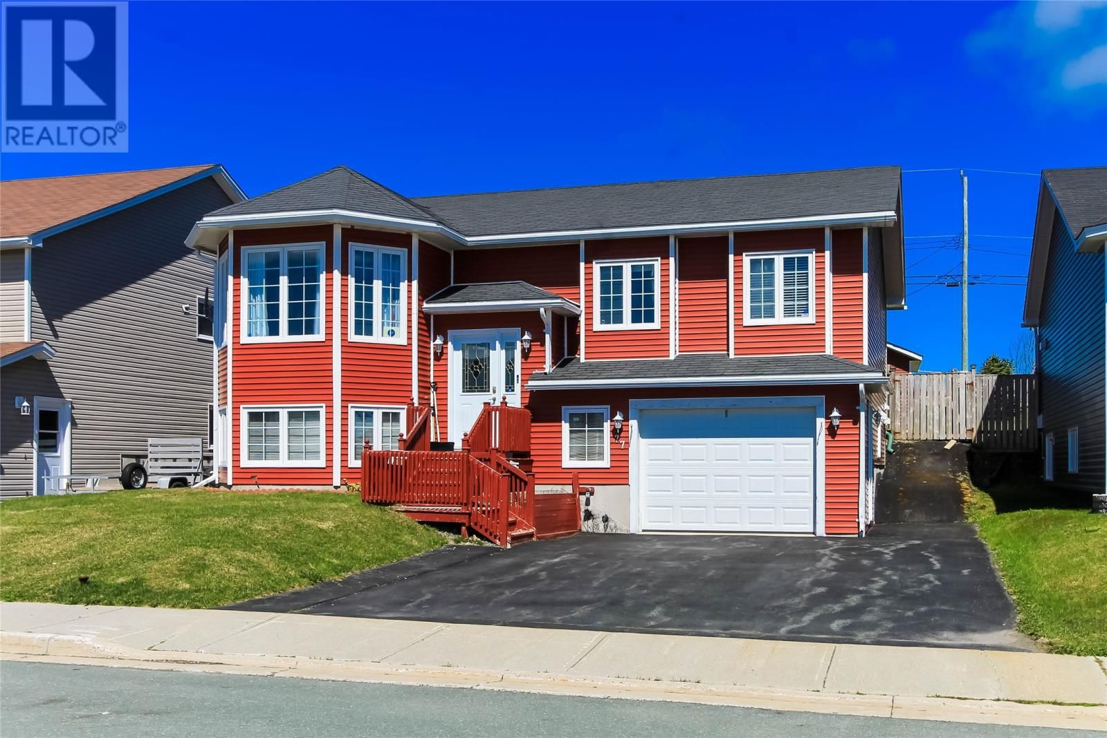 Main Photo: 77 Hopedale Crescent in St. John's: House for sale : MLS®# 1236760