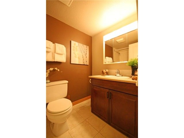 """Photo 9: Photos: 105 2150 BRUNSWICK Street in Vancouver: Mount Pleasant VE Condo for sale in """"MOUNT PLEASANT PLACE"""" (Vancouver East)  : MLS®# V884597"""