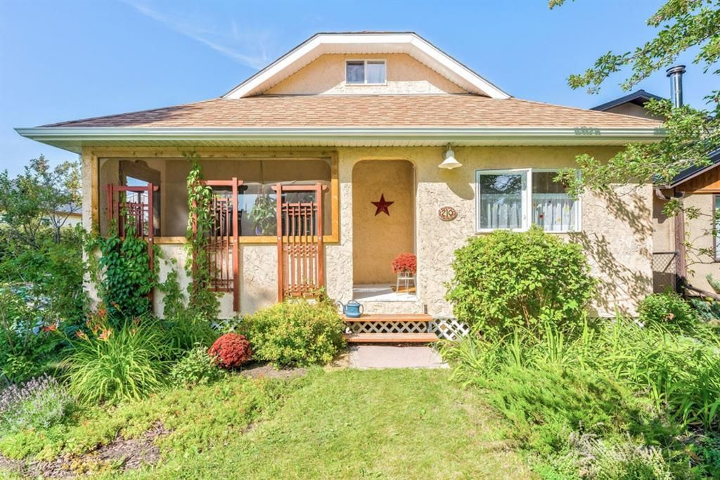 Main Photo: 210 Frontenac Avenue: Turner Valley Detached for sale : MLS®# A1140877