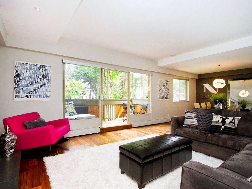 """Main Photo: # 8 5545 OAK ST in Vancouver: Shaughnessy Townhouse for sale in """"SHAWNOAKS"""" (Vancouver West)  : MLS®# V969613"""