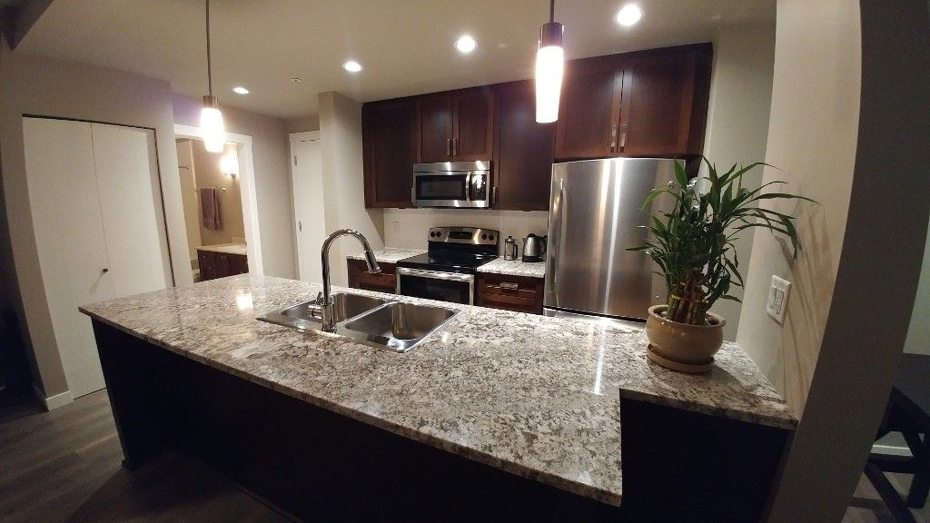 Photo 6: Photos: #102 2238 Whatcom Rd in Abbotsford: Abbotsford East Condo for rent