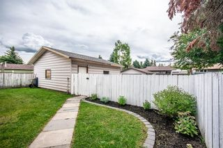 Photo 4: 3005 DOVERBROOK Road SE in Calgary: Dover Detached for sale : MLS®# A1020927