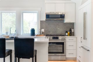 """Photo 7: 1851 W 15TH Avenue in Vancouver: Kitsilano Townhouse for sale in """"Craftsman Collection II"""" (Vancouver West)  : MLS®# R2487565"""