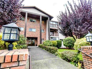 "Photo 1: 204 32910 AMICUS Place in Abbotsford: Central Abbotsford Condo for sale in ""ROYAL OAKS"" : MLS®# R2474373"